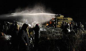 ss-161121-dakota-protest-01_b395875c2c32408b136ddbd14cbdeac0-nbcnews-ux-1024-900
